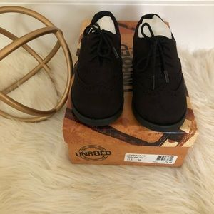 NWT UNR8ED Black Shoes